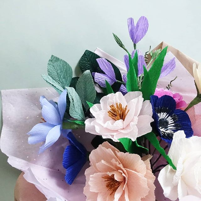 Custom_surprise_birthday_bouquet..jpg