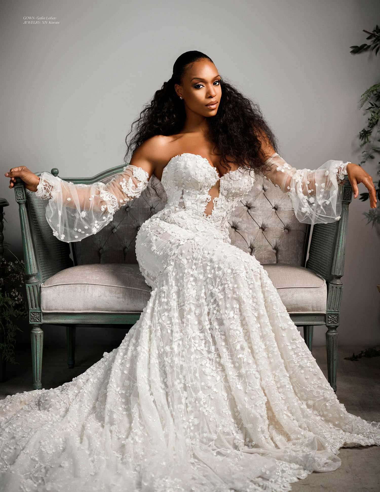 MunaLuchi Bride Winter 2019 Michelle Mitchenor Bridal Shoot - Set design by Eddie Zaratsian