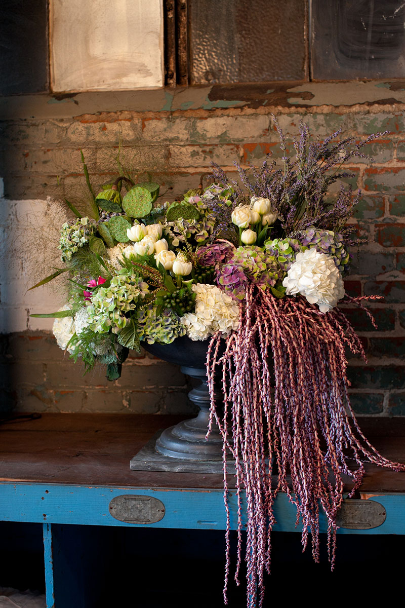 eddie-zaratsian-creative-succulent-floral-arrangement-marianne-lozano-photography.jpg