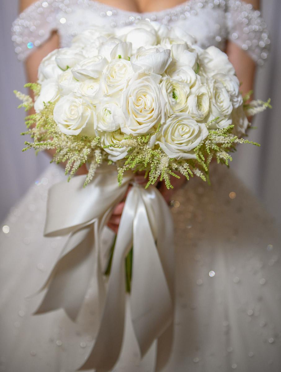 White rose bridal bouquet by Eddie Zaratsian