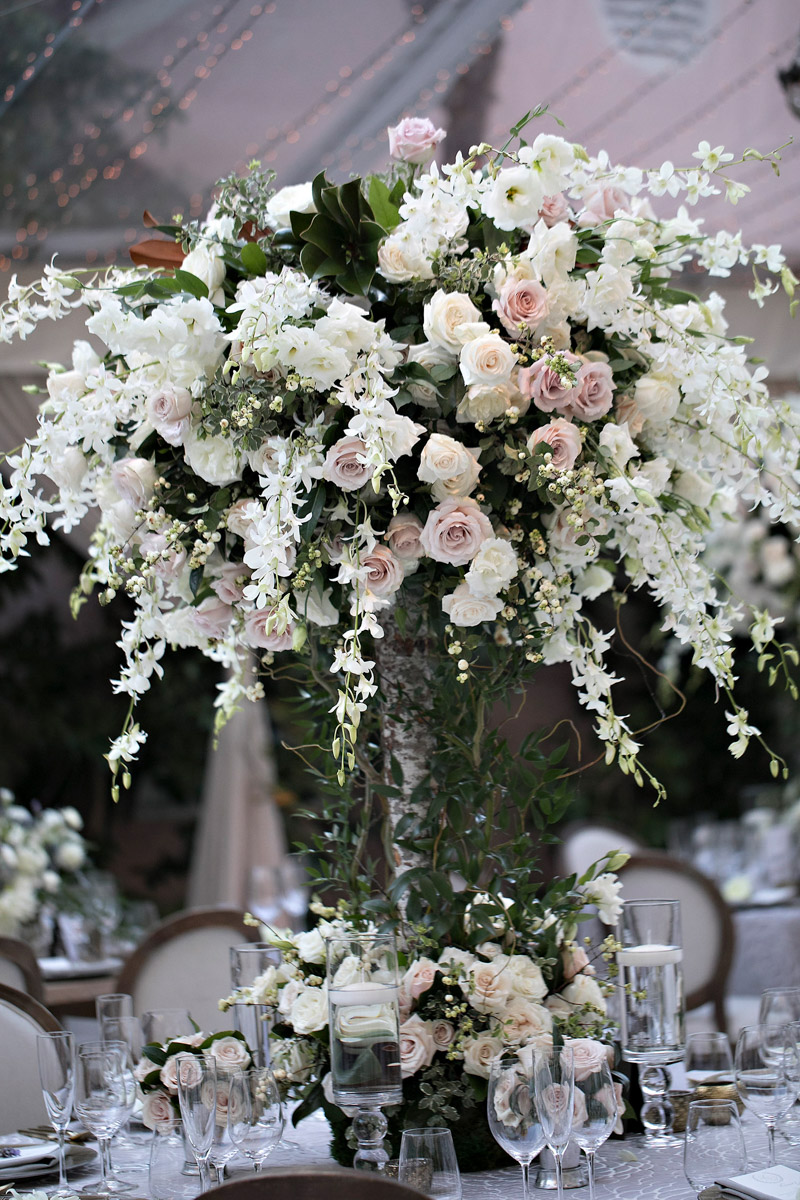 Rustic, organic Hotel Bel-Air wedding florals by Eddie Zaratsian, Photo by Jessica Claire Photography