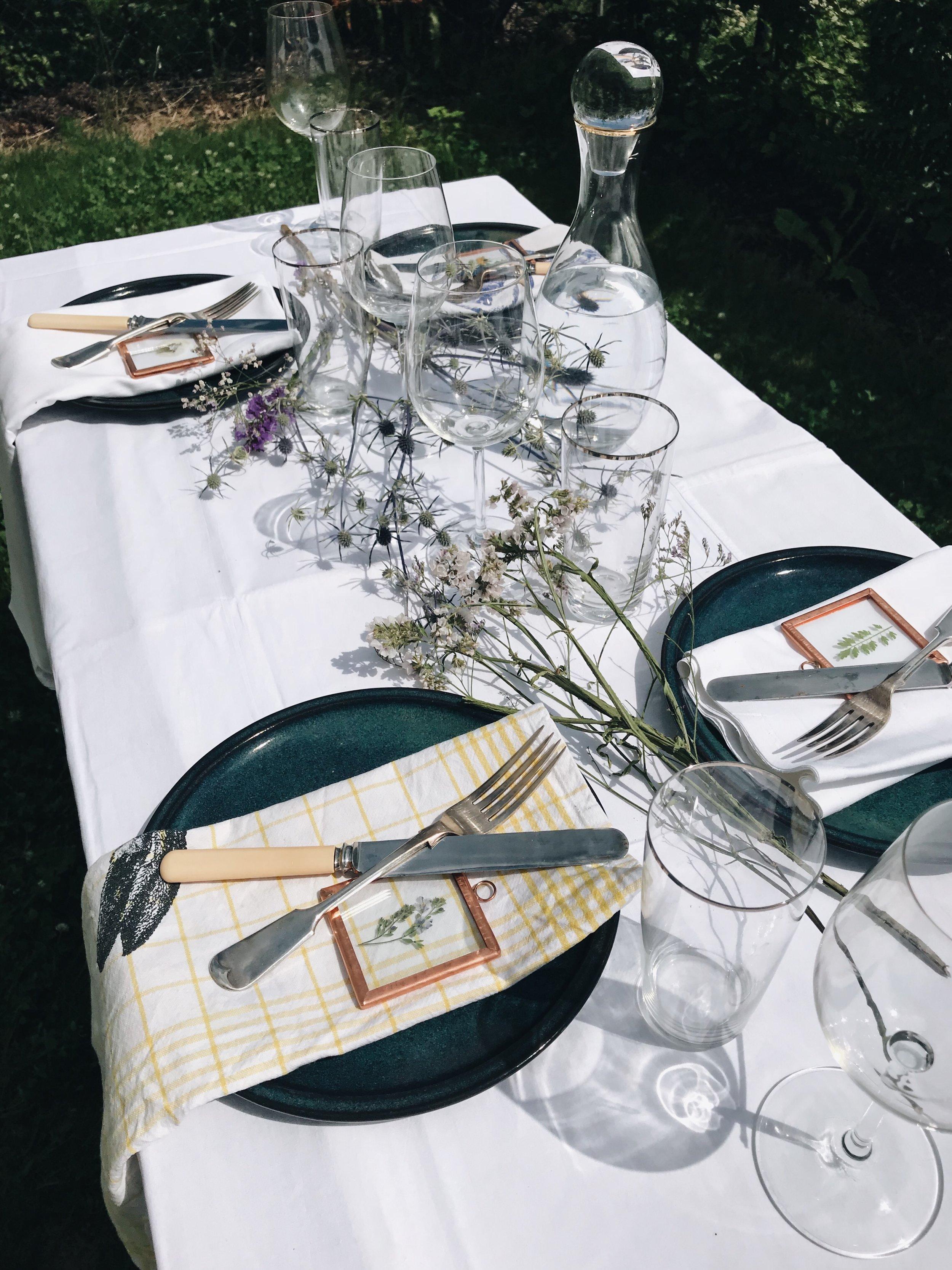 geselligkeit festtafel essen mit freunden