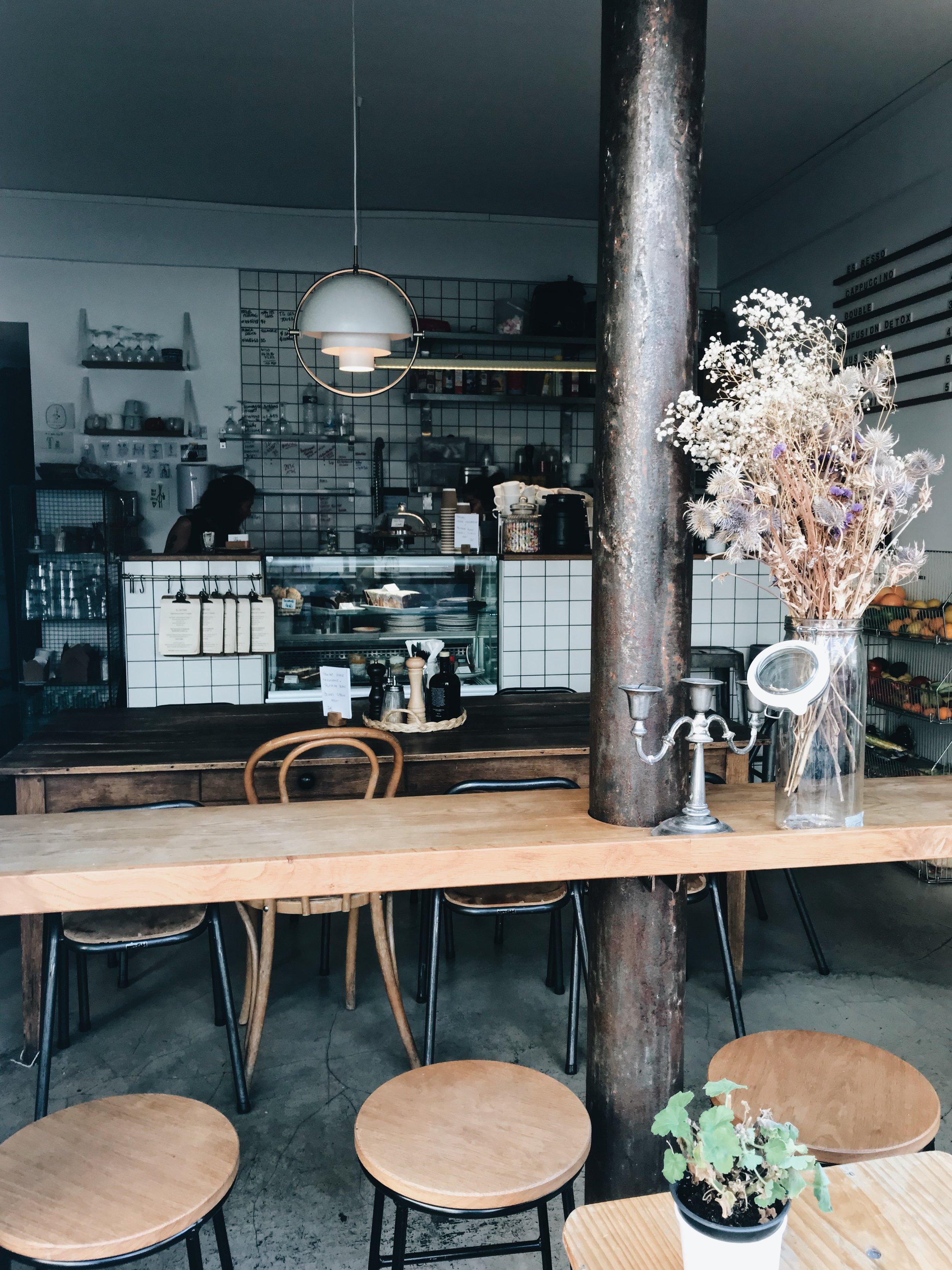 pimpin cafe.JPG