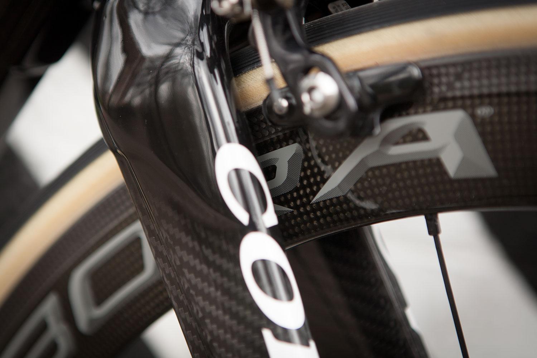 Colnago C60 frameset in RSCG colours custom built at Super Domestique. C60 fork detail.