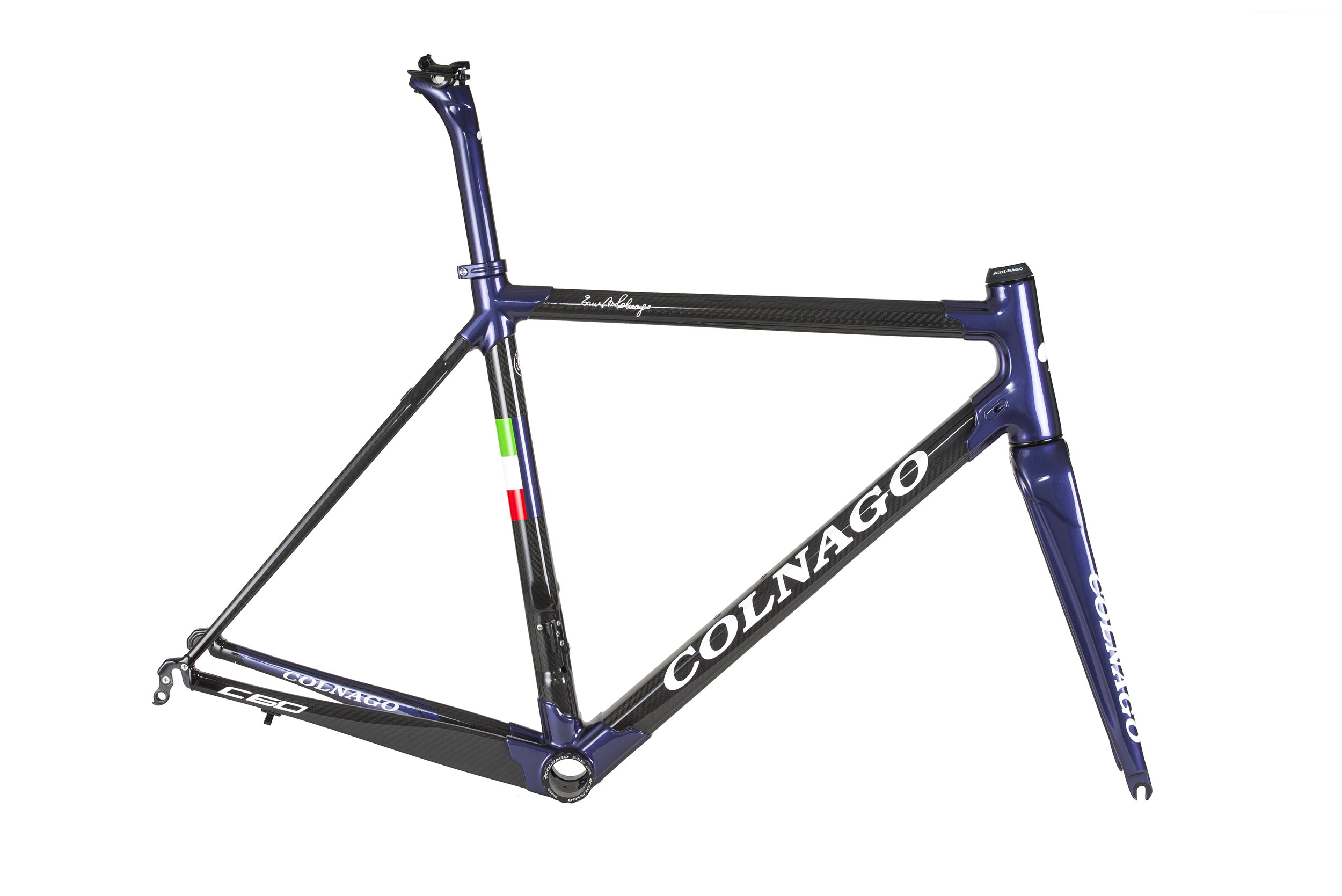 This new PLOD C60 colour was launched at the 2017 Colnago UK Owners Day.  A really classy metallic purple on gloss carbon tubes with gloss white logos.  The Super Domestique price is £4099 including a colour matched seatpost.  We have dual routed frames in 50, 52 and 54 sloping sizes available at the end of October.  Other sizes and drillings are available to order now.