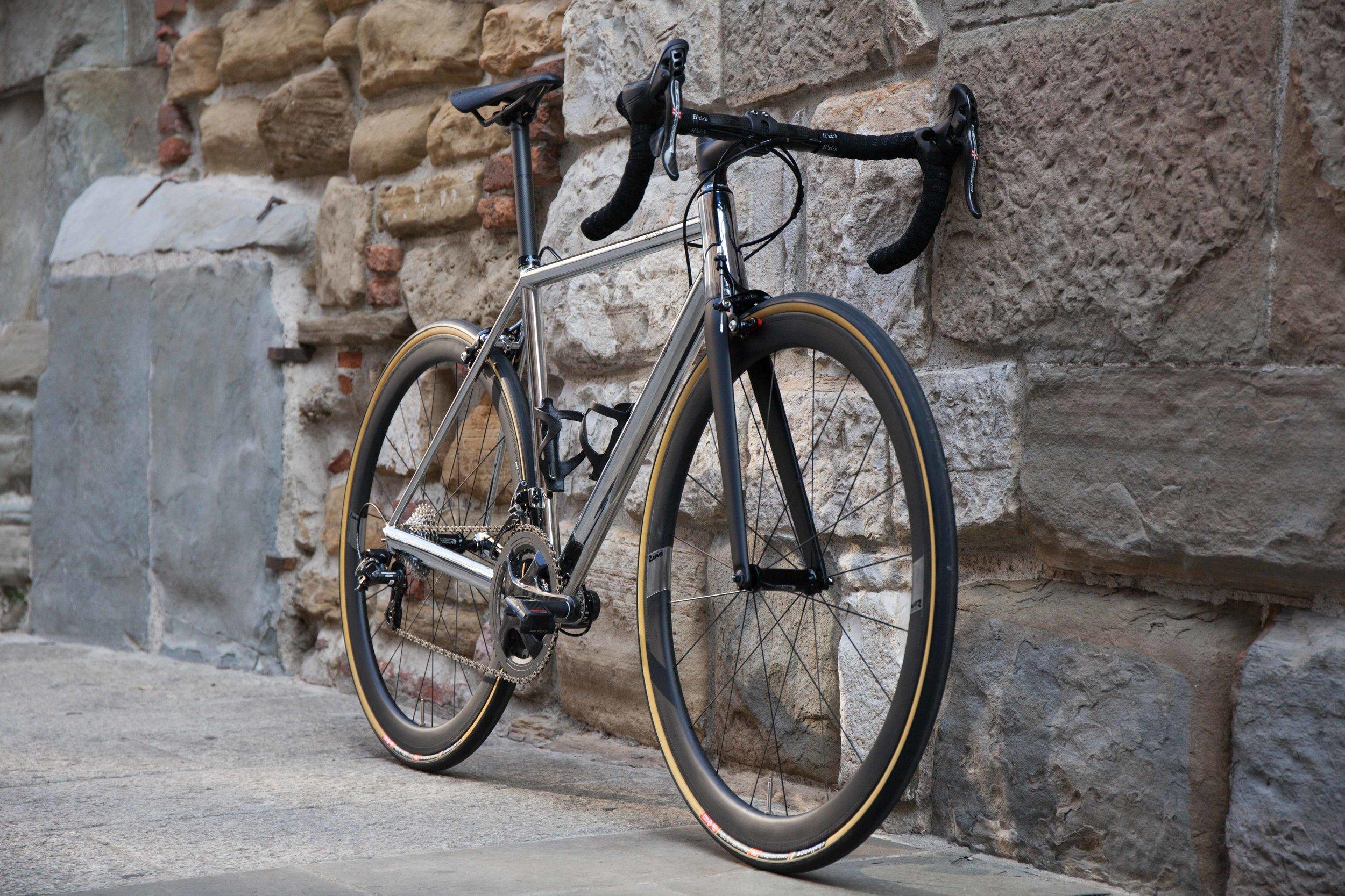 SB03-17044-Full-Bike-Front-Angle.jpg