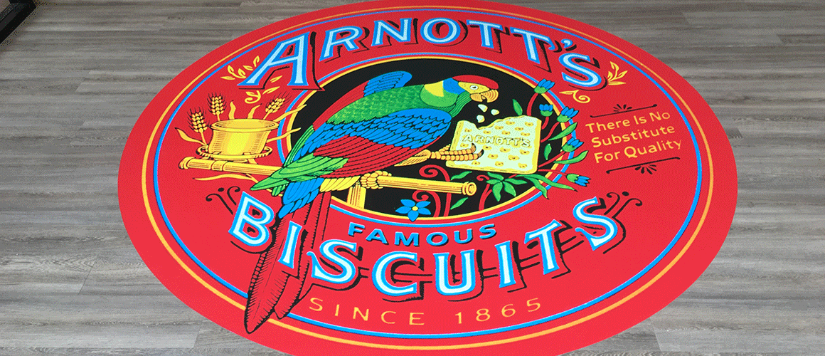 SCRIMWORKS_INTERIORS_WALL_GRAPHICS_MURAL_FROSTING_PRINTED_SIGNAGE_ARNOTTS_PARROT_1.png