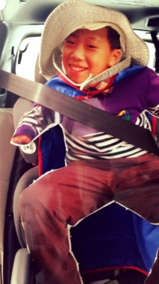 One Week of Adventures in the Life of a Flat Figure, Carseat Shot