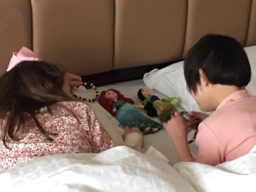 Sister Doll Play