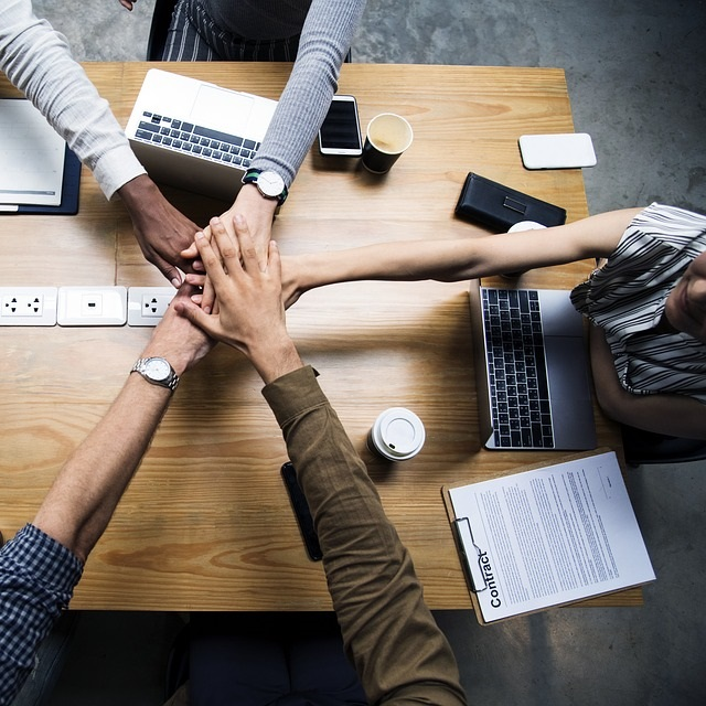thumb_Business Team.jpg