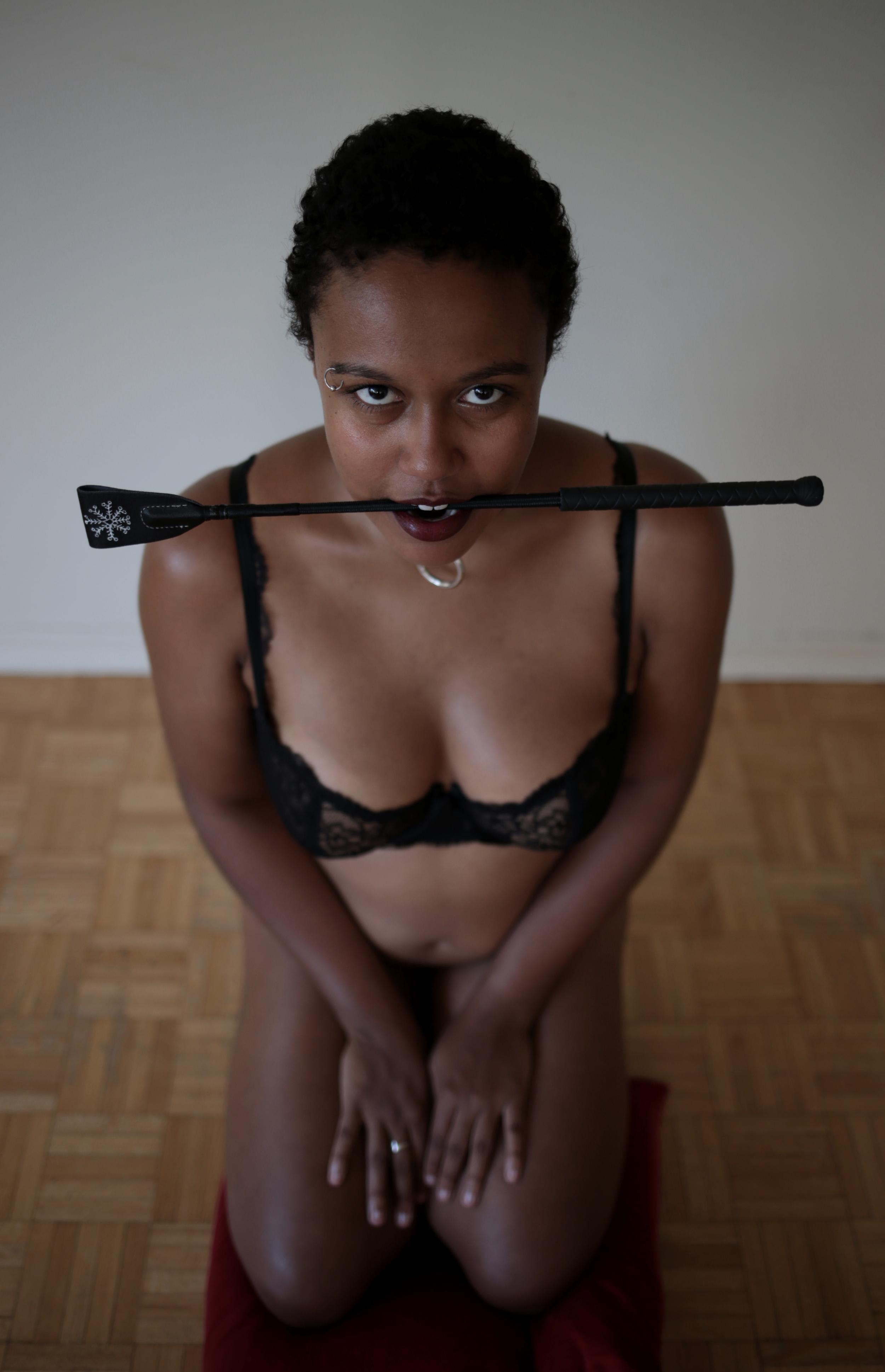 Model:   Vivian Killjoy