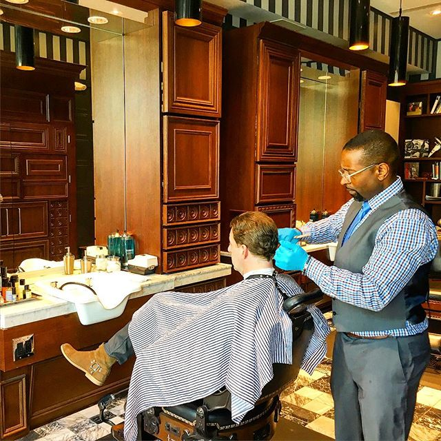 If you are headed to Disney Springs a great place to check out is The Art of Shaving! They offer hair cuts and shaves that are outstanding! If you want to pamper yourself try the Royal Shave! #theorlandotravelguide #disneysprings #theartofshaving #travel #family #grooming #style #orlando #holiday #menstyle