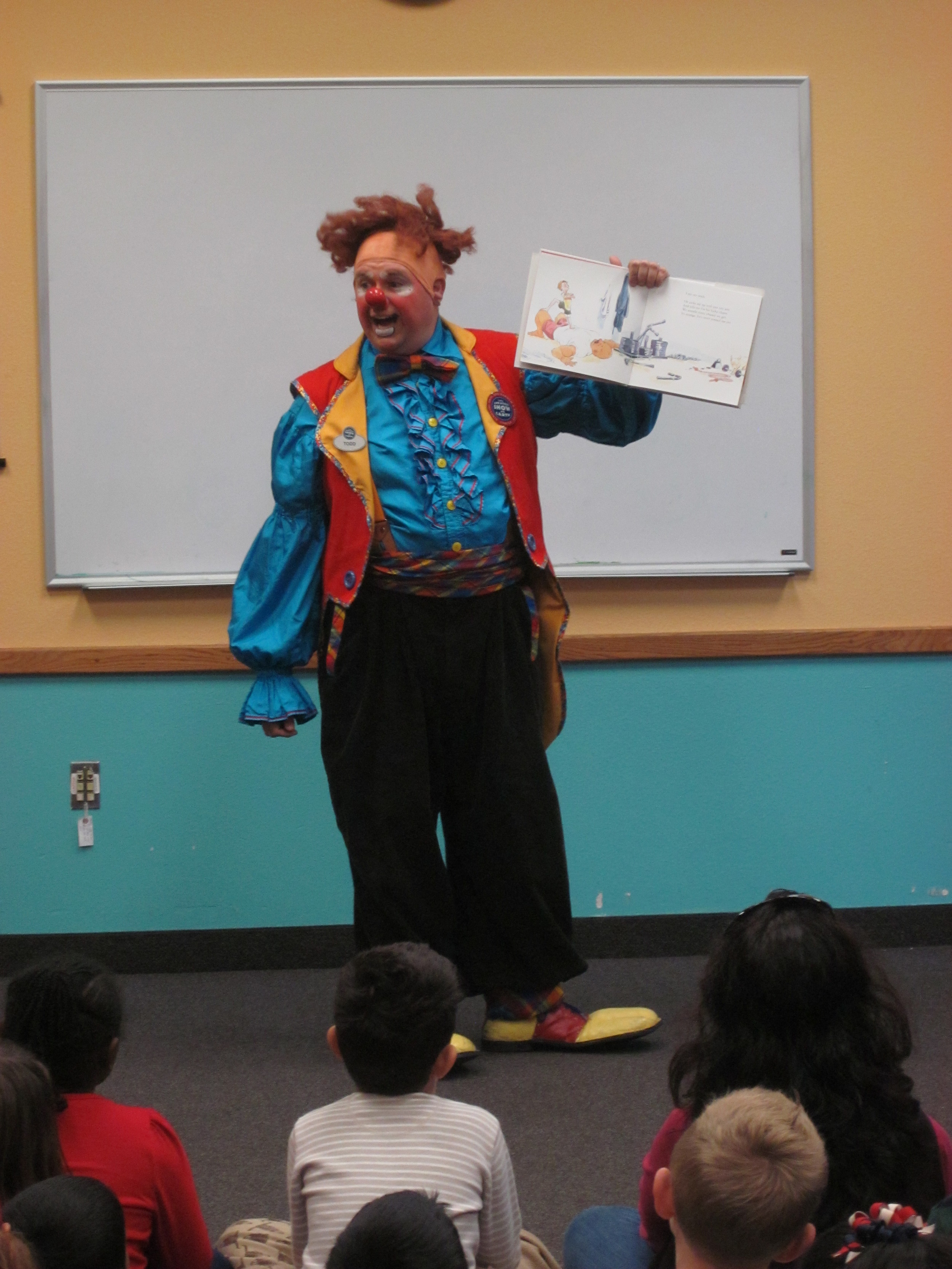 Reading-with-Ringling-Event-Crowd-1.jpg