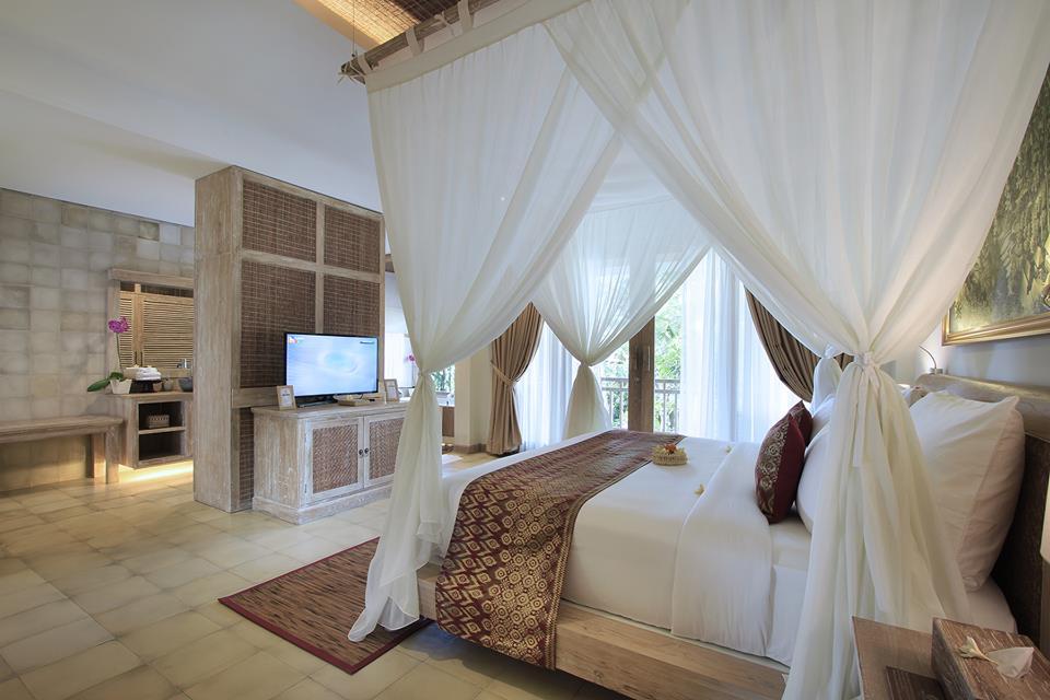 udaya suite bedroom.jpg