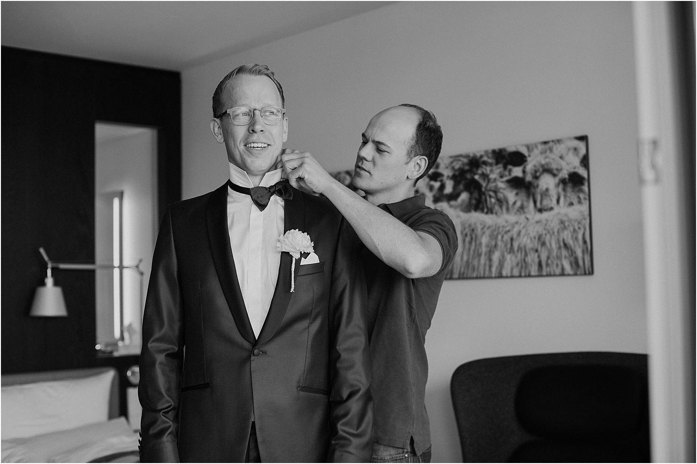 Vorbereitung-des-Bräutigam-Hochzeitstag-Achalm-Reutingen.jpg