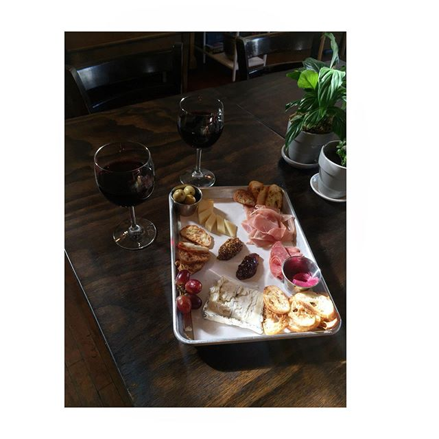 Need to decompress after work?! Walk on over after you get home or before you need to battle traffic! Lost Parrot Cheese Plate, Beer and Wine at your servise till 5pm!