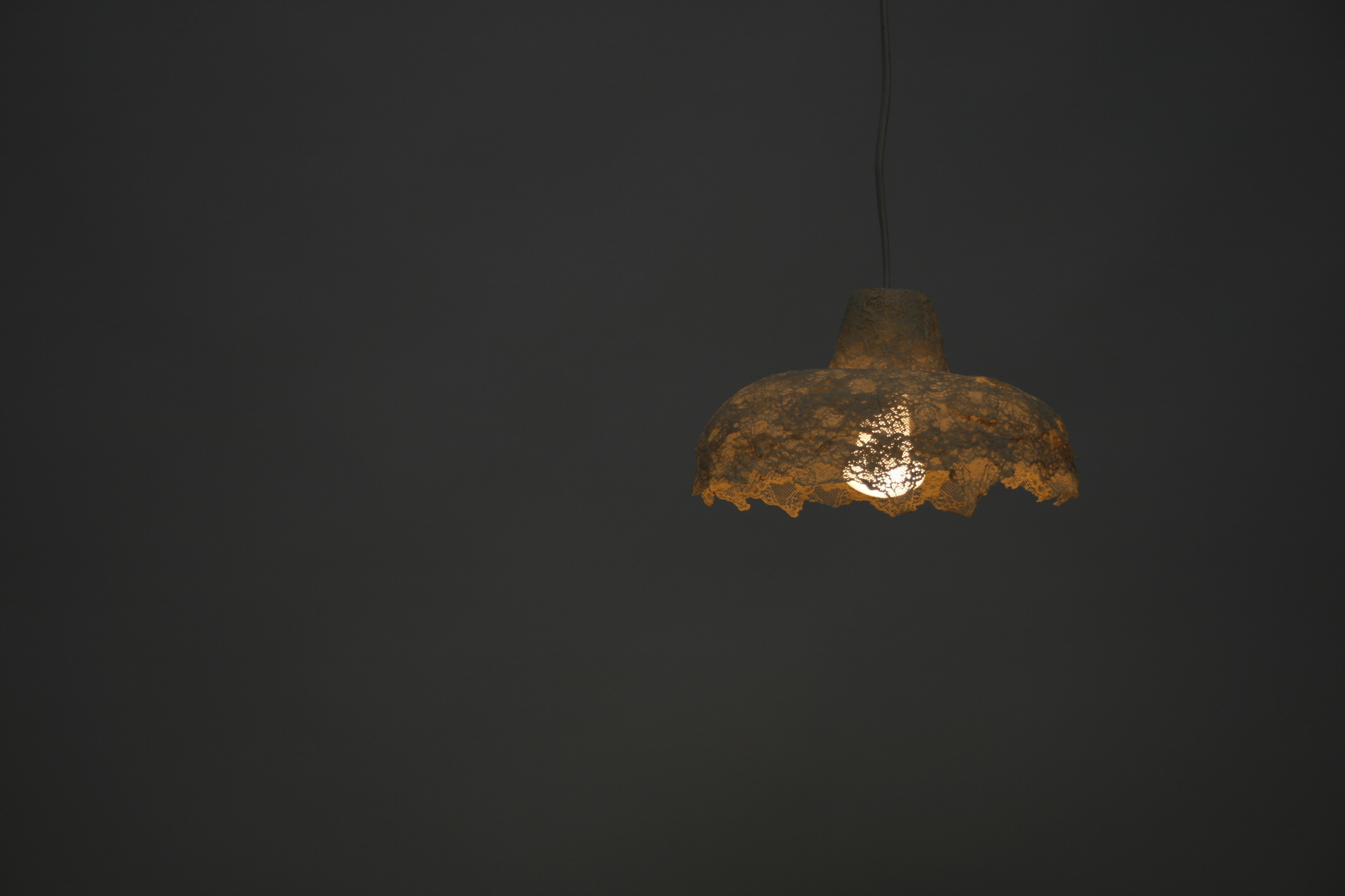 Madame Marie - Lace ceramic lampshade