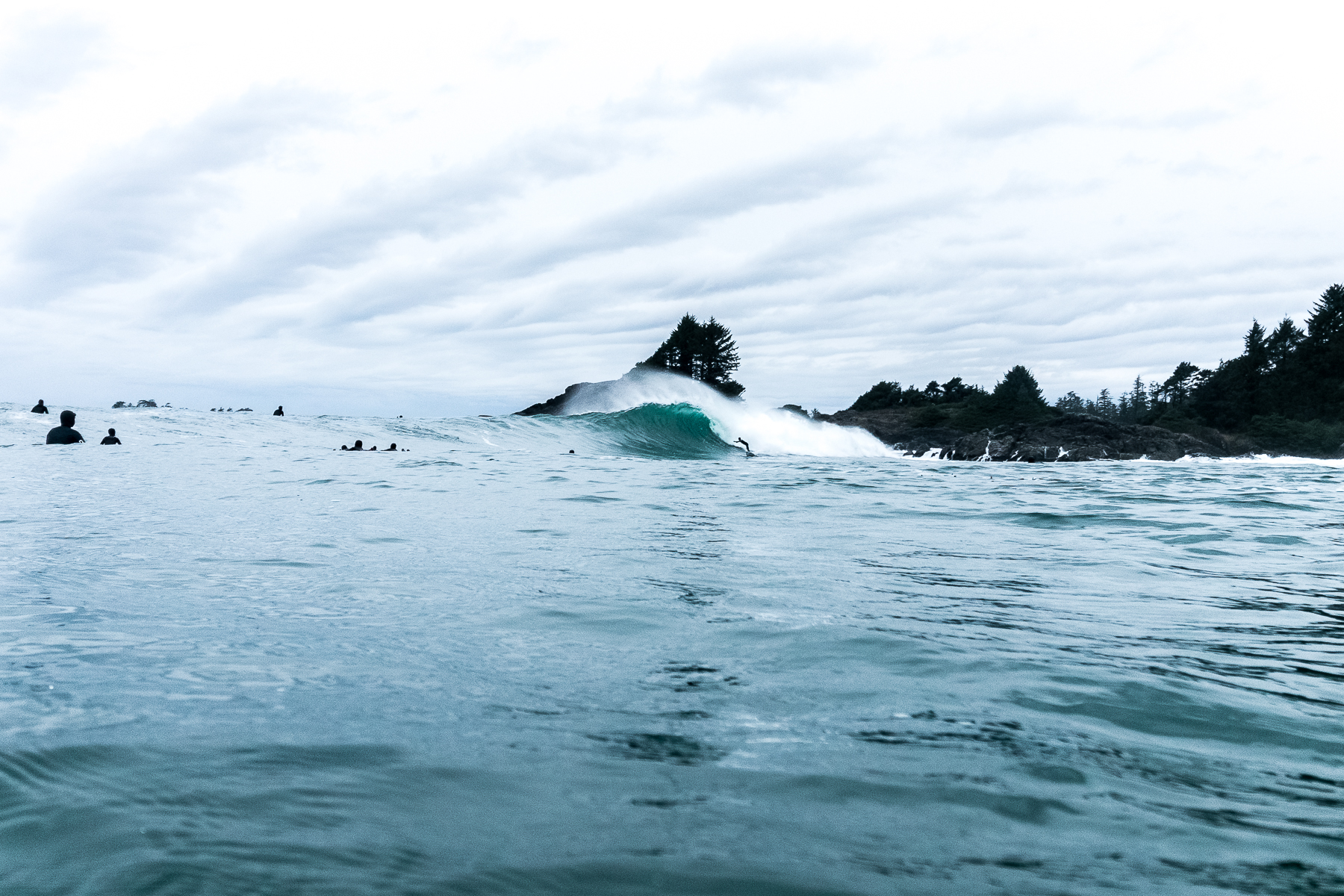 tofino_surf_photography-raph_bruhwiler_wave_of_winter_2019.jpg