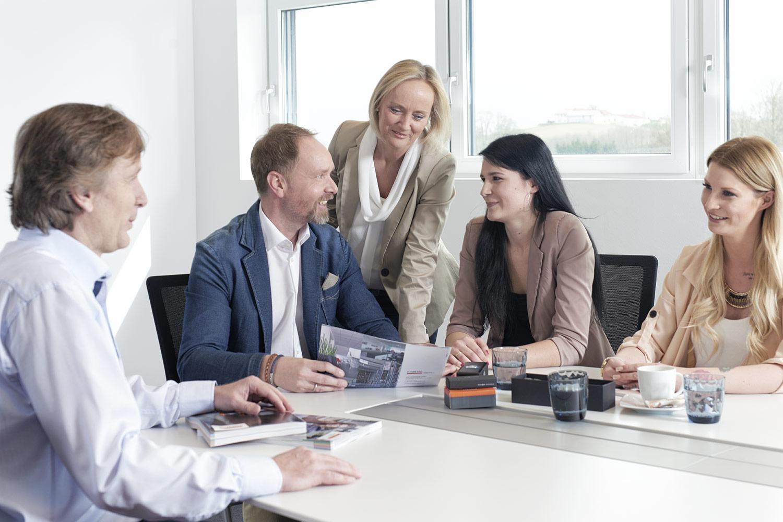 unternehmen-team-meeting-hsw-werbemittel.jpg