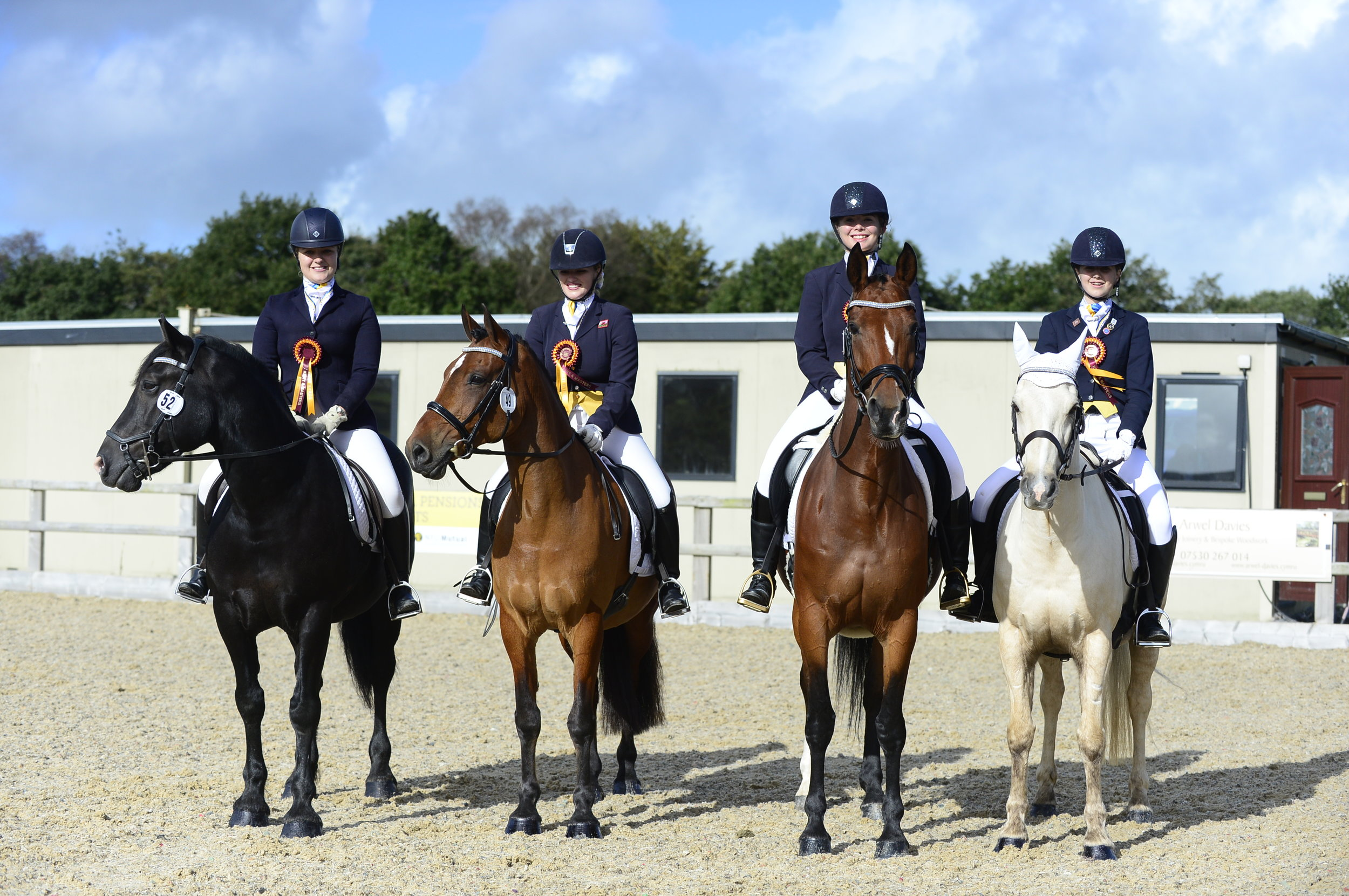 The Team Quest winning Pembrokeshire Lunachicks riders (Credit: Kevin Sparrow Photography)