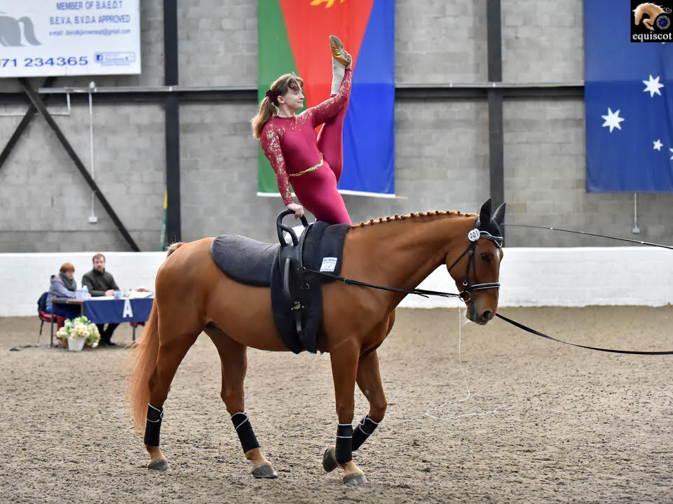 Performing a Y-stand (Pic: Equiscot)
