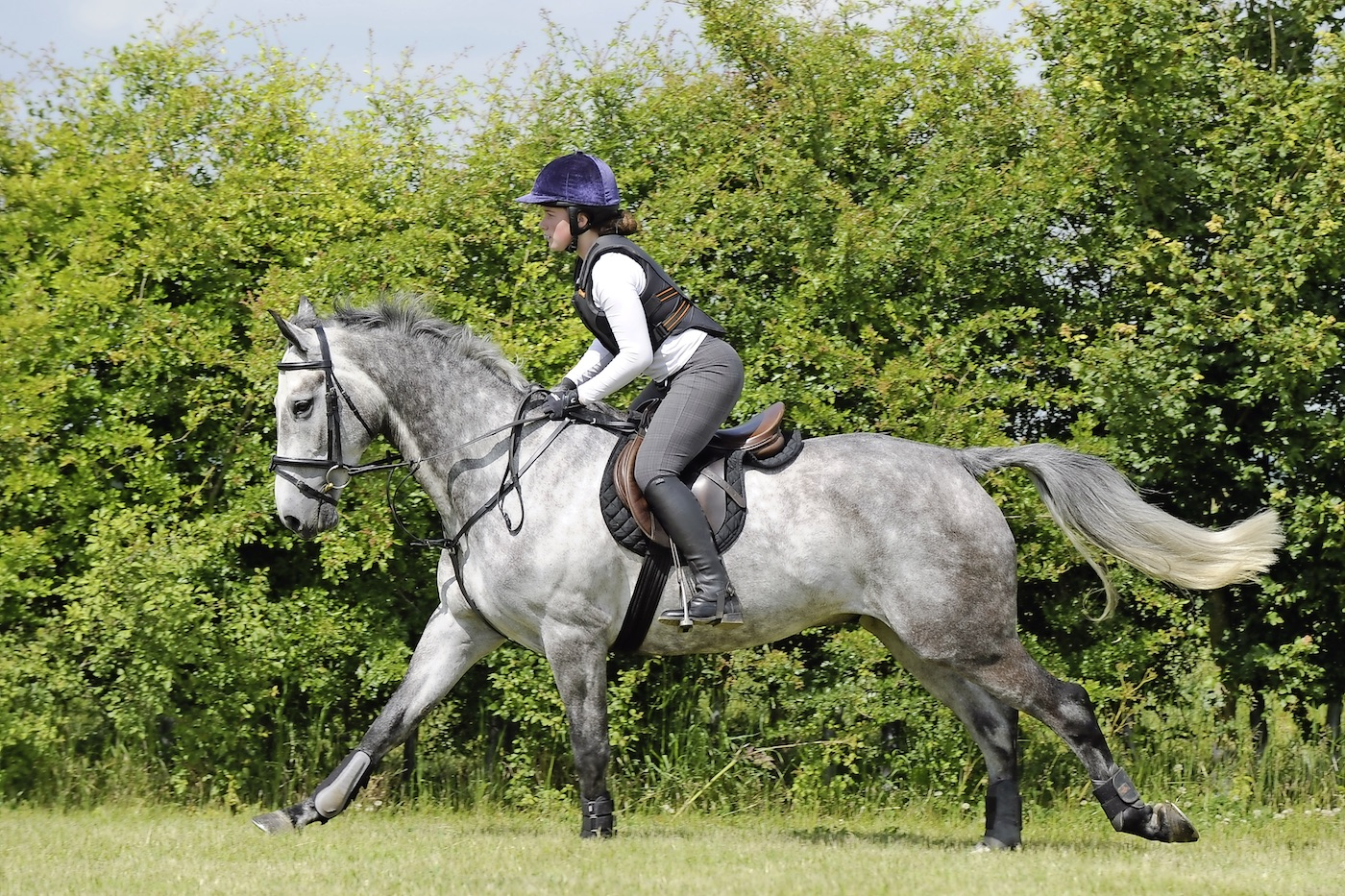 Step 3 - ride a relaxed canter with your weight off his back