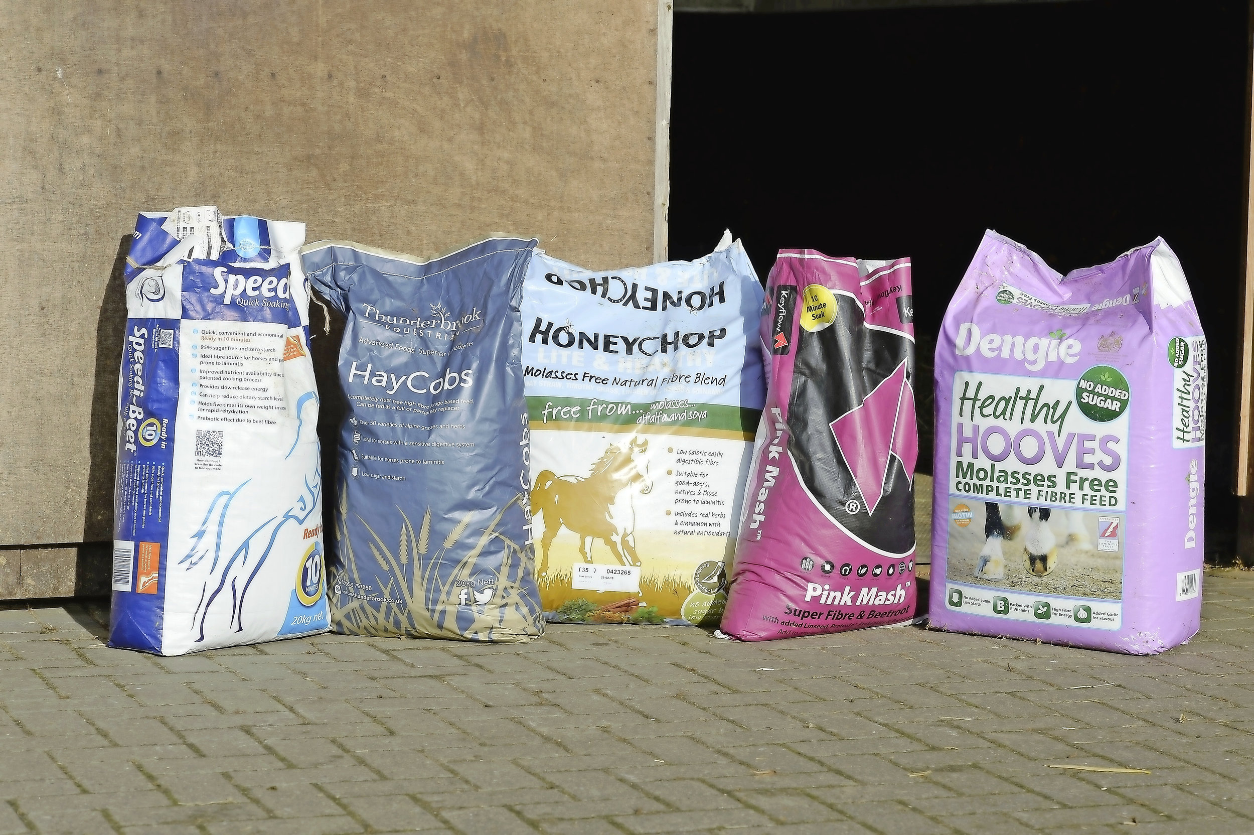 Low-sugar feed brands