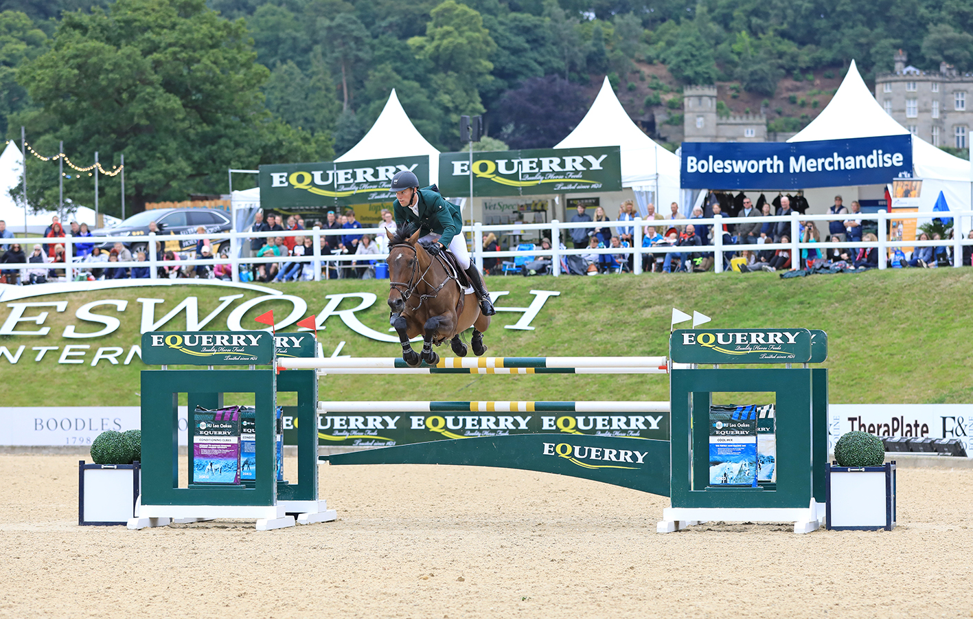 Paul Kennedy and Cartown Danger Mouse win the Equerry GrandPrix.JPG