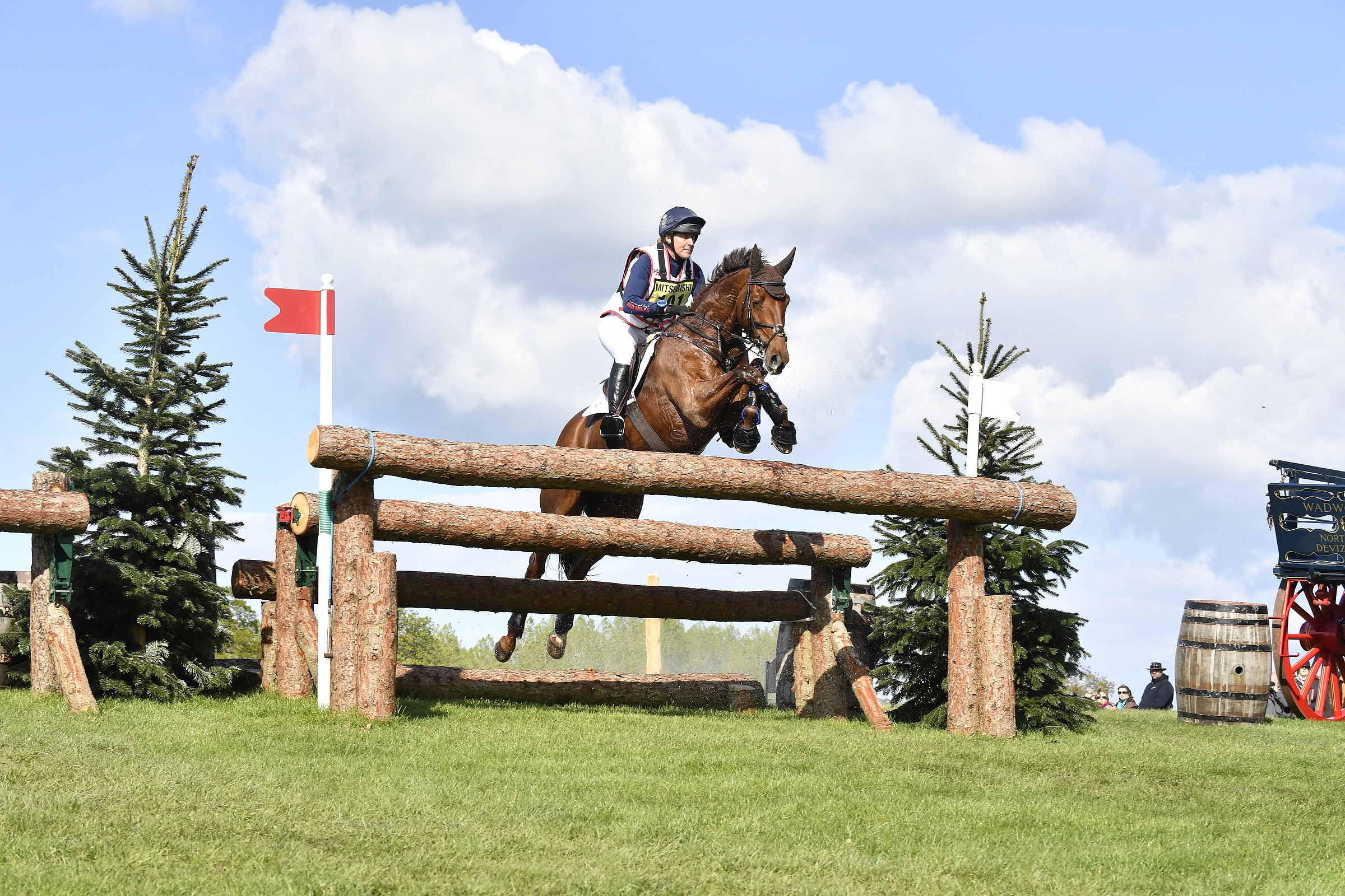 10, Billy The Red - Tina Cook GBR (40.5pens)