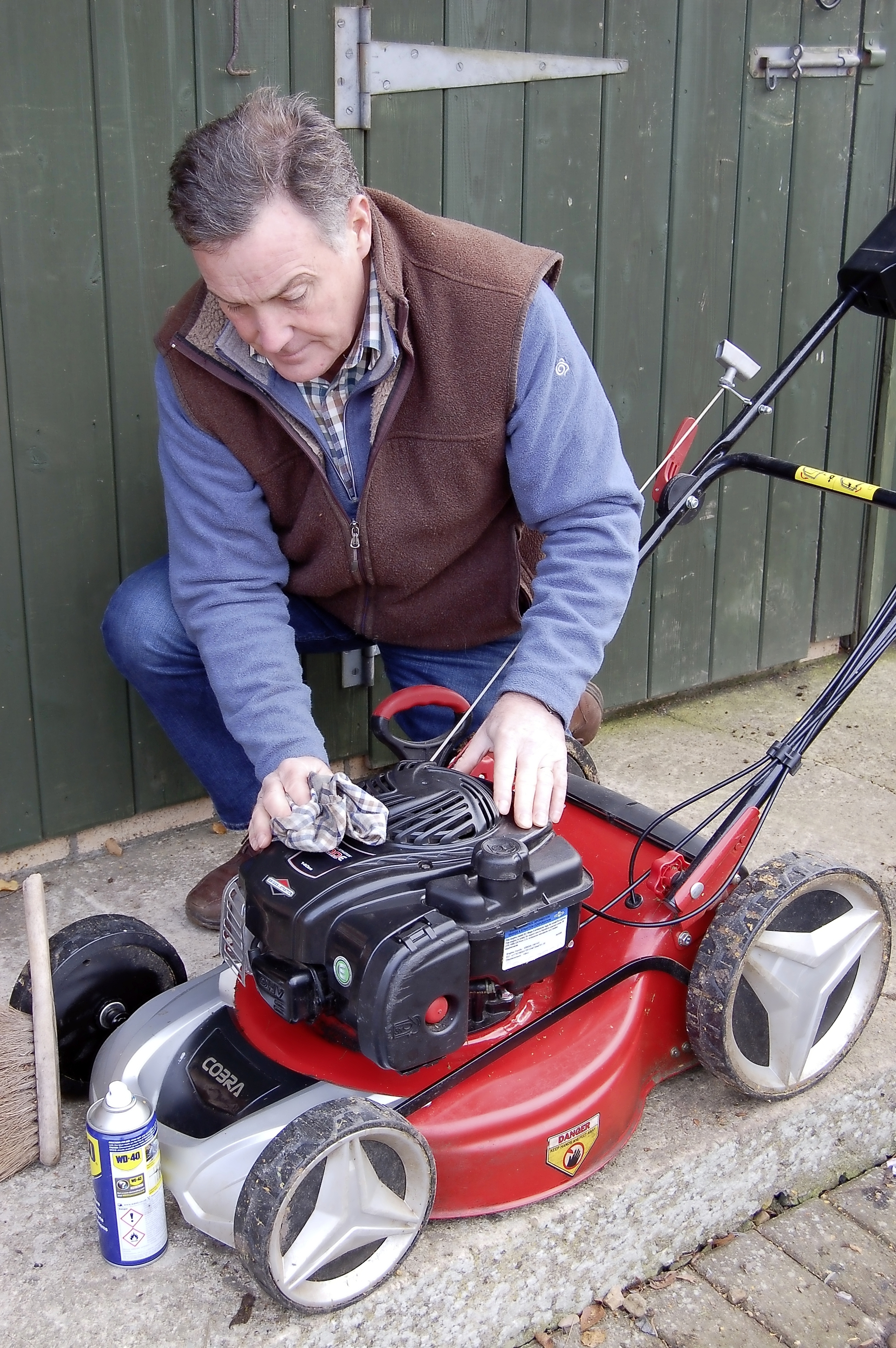 Clean and store mower - main pic.jpg
