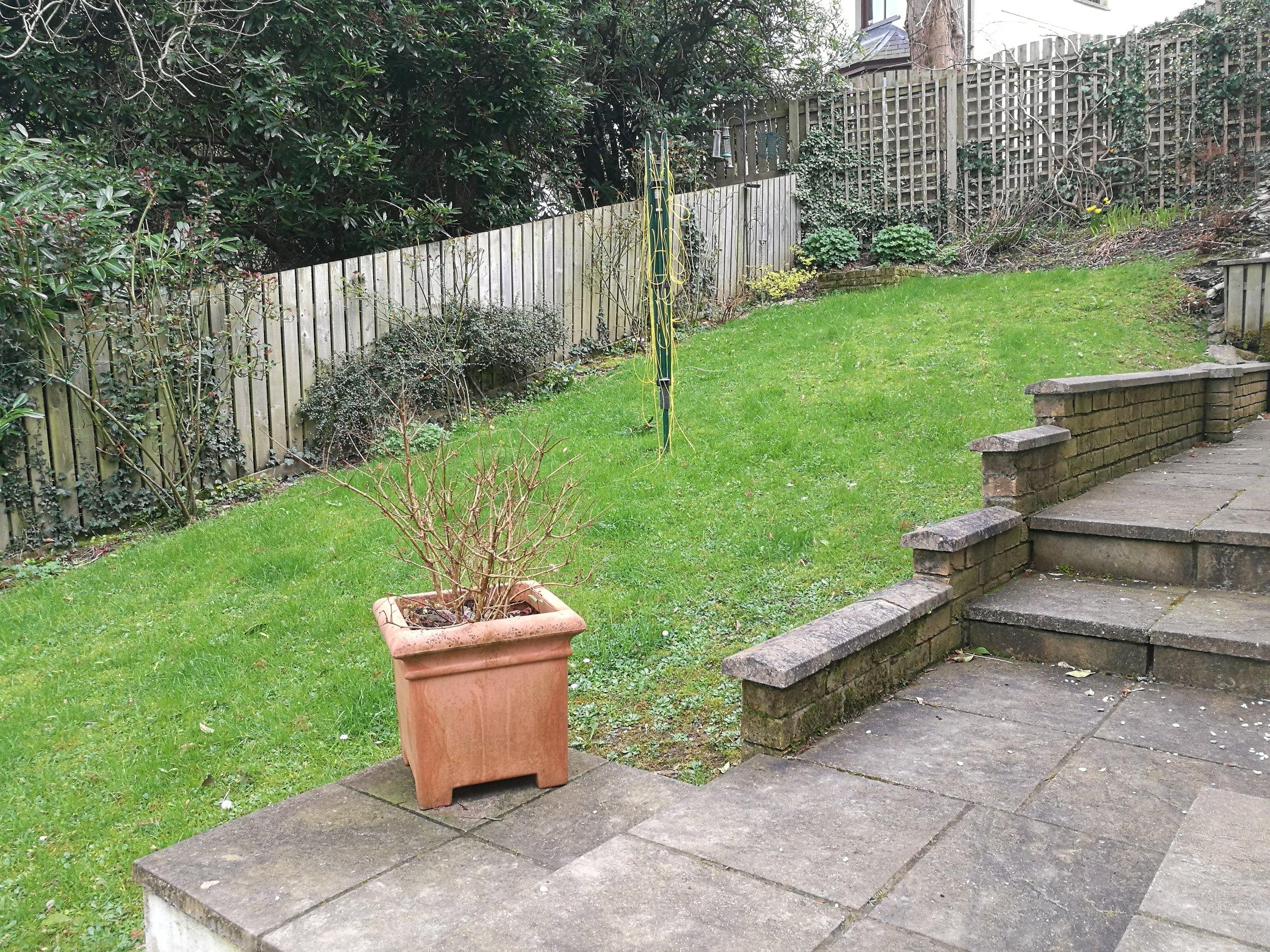 How To Level A Sloping Garden Uk   Fasci Garden on Garden Ideas For Sloping Gardens id=60812