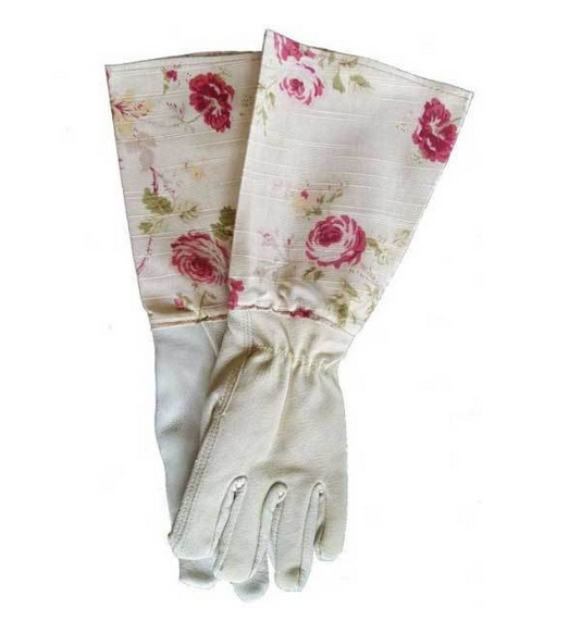 Gradening gauntlets in English rose linen