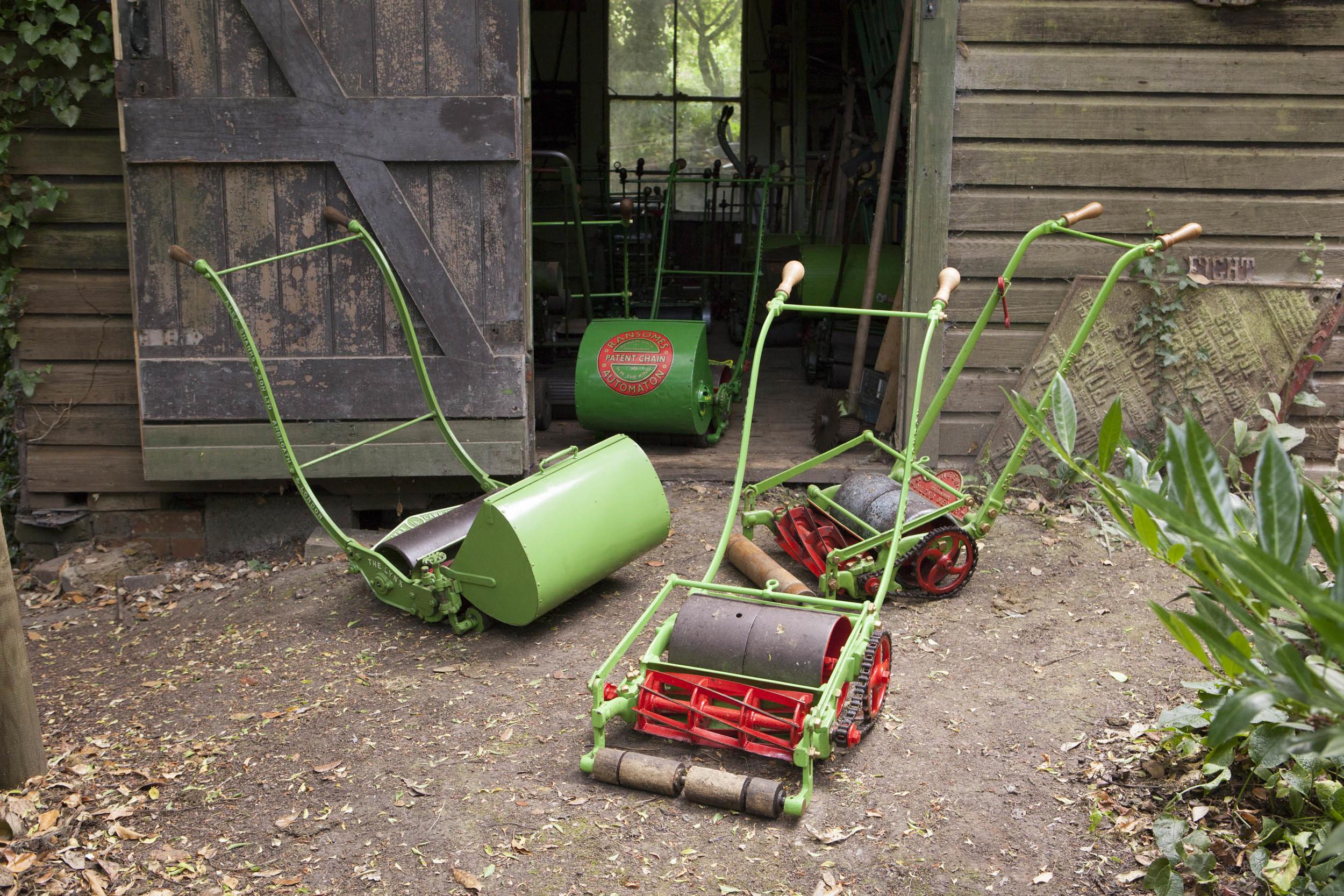 203_Lawnmower.jpg