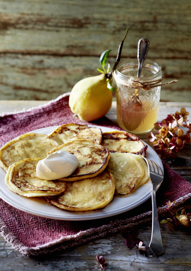 Quince pancakes with quince syrup and sour cream recipe