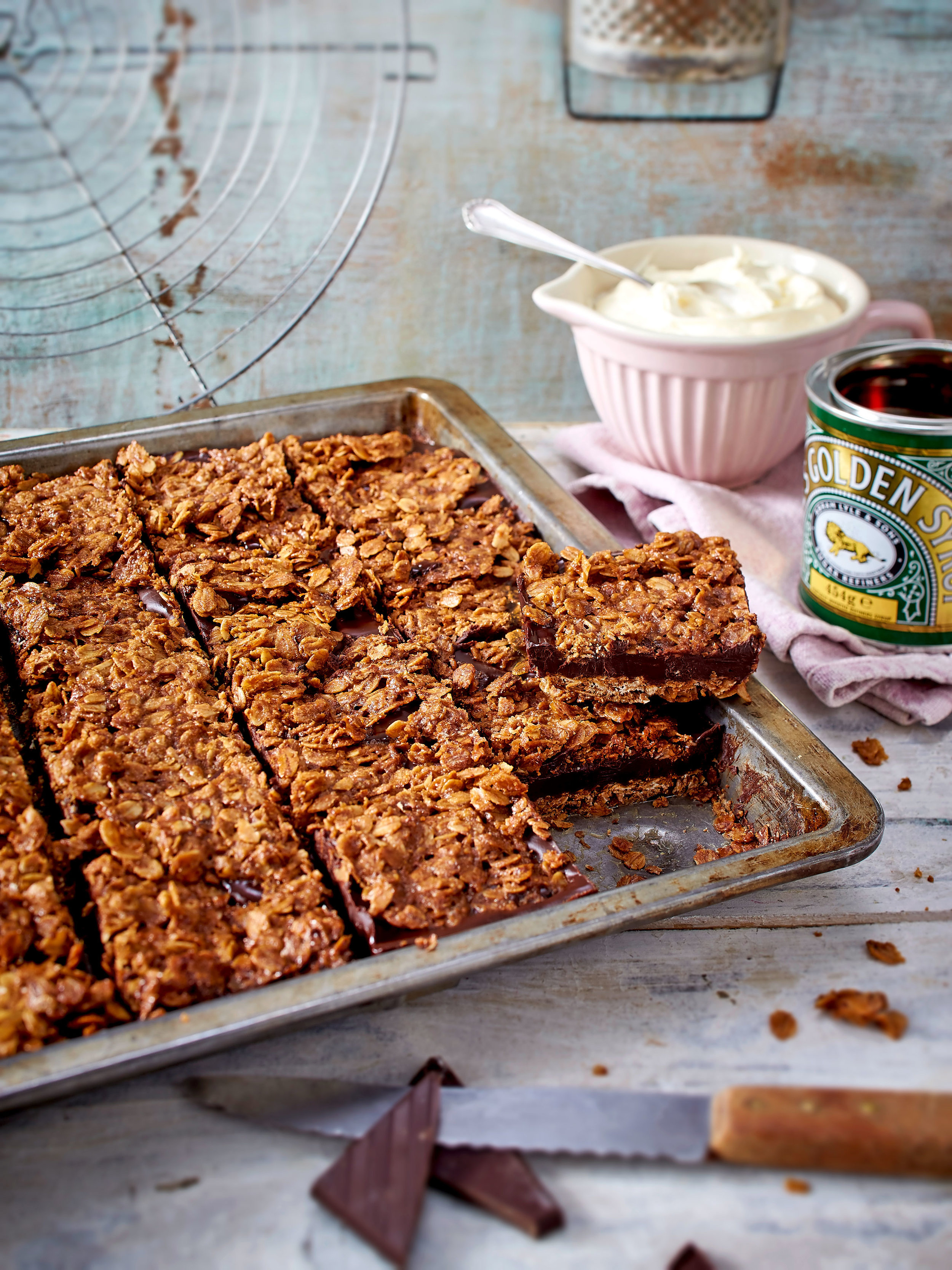 Two layers of flapjack are sandwiched together with creamy chocolate in this simple recipe.