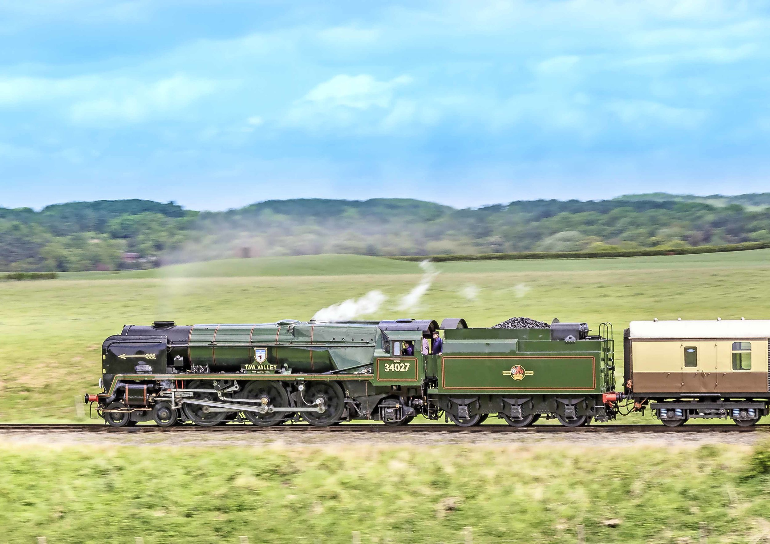 Also on Pullman duties and making its debut after overhaul, 'WC' No. 34027  Taw Valley  ascends Eardington bank on the Severn Valley Railway on May 16 2015. ALAN WEAVER