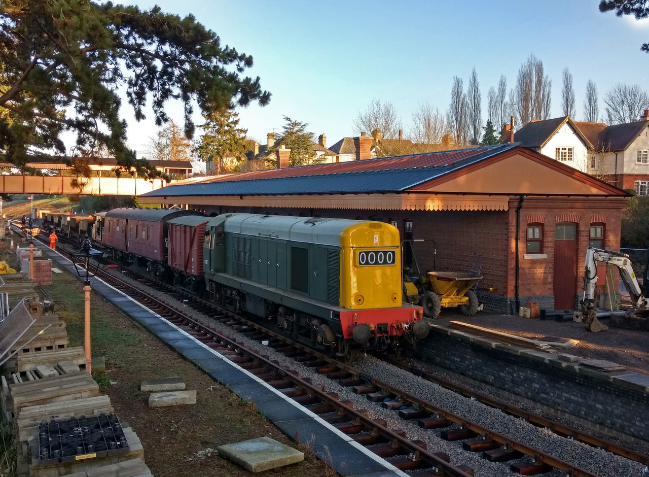 A GWSR engineering train calls at Broadway station for the first time since the station was closed to passengers by BR in March 1960. The original station was demolished three years later. GWSR