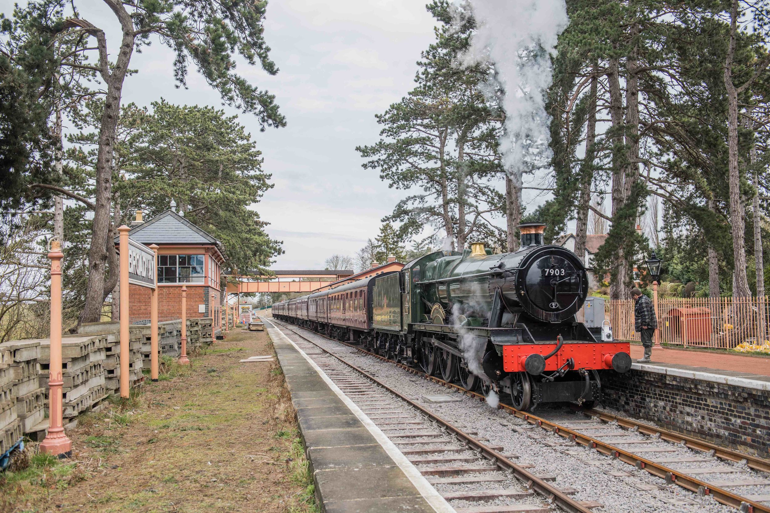'Modified Hall' No. 7903  Foremarke Hall  sizzles in Broadway station, having just pulled the first steam-hauled train into the station since March 1960 on March 9. JACK BOSKETT