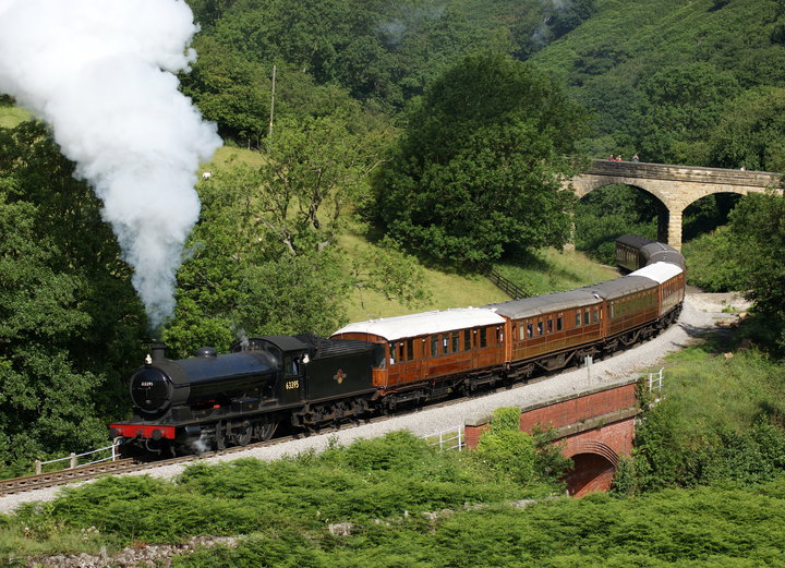 Confirmed for the Severn Valley Railway's Autumn Steam Gala on September 20-23, 'Q6' No. 63395 rounds Darnholm on its North Yorkshire Moors Railway home. LEWIS MADDOX