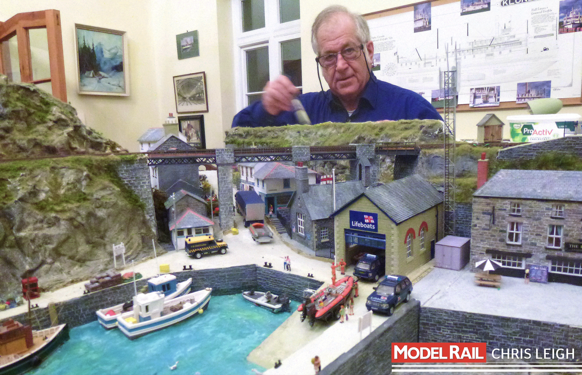 After a short break to recharge his Cornish seaside batteries, Chris is back to modelling 'Polwyddelan'. CHRIS LEIGH