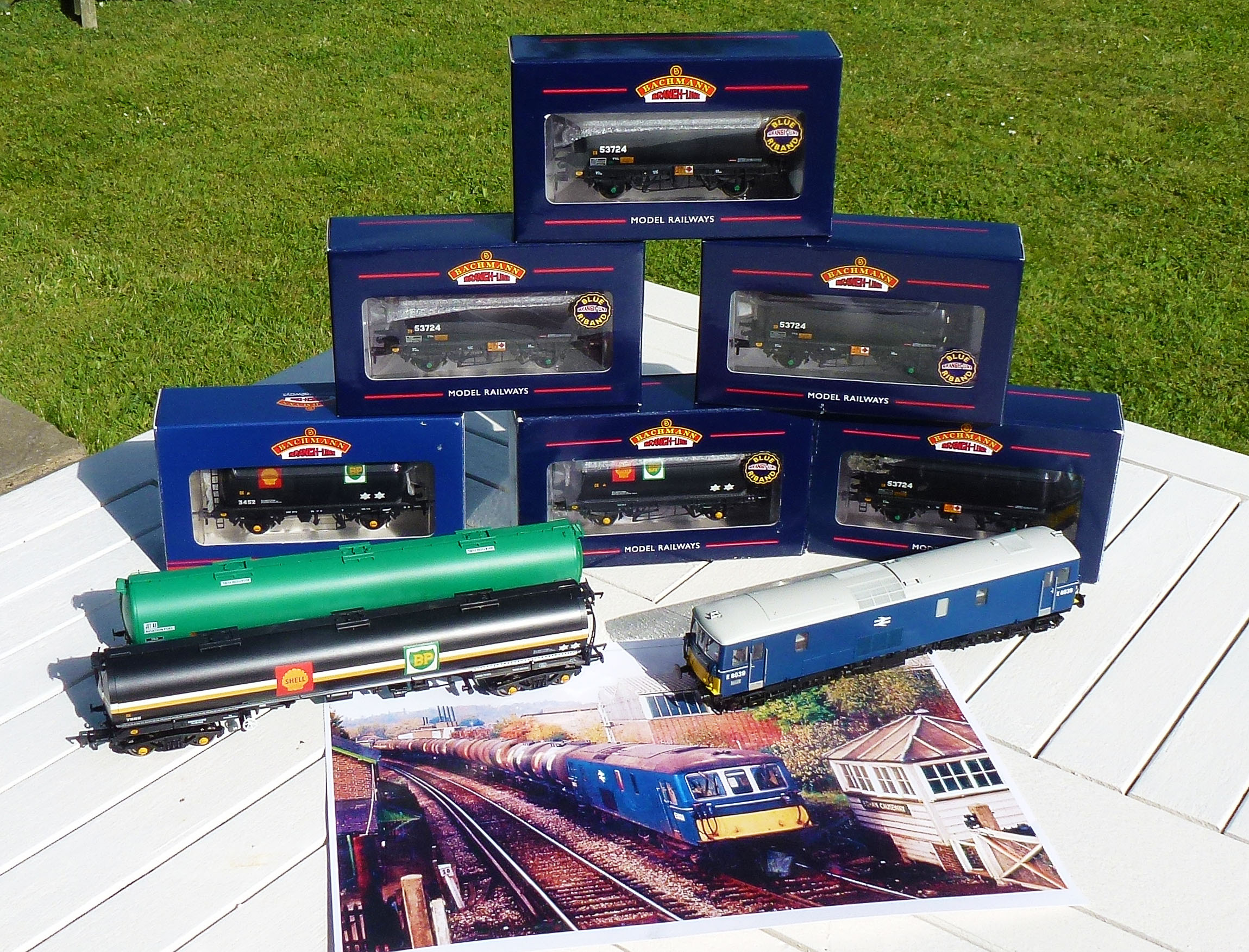 The Class 73, TEAs, and TTAs that will make up Chris' latest train. CHRIS LEIGH