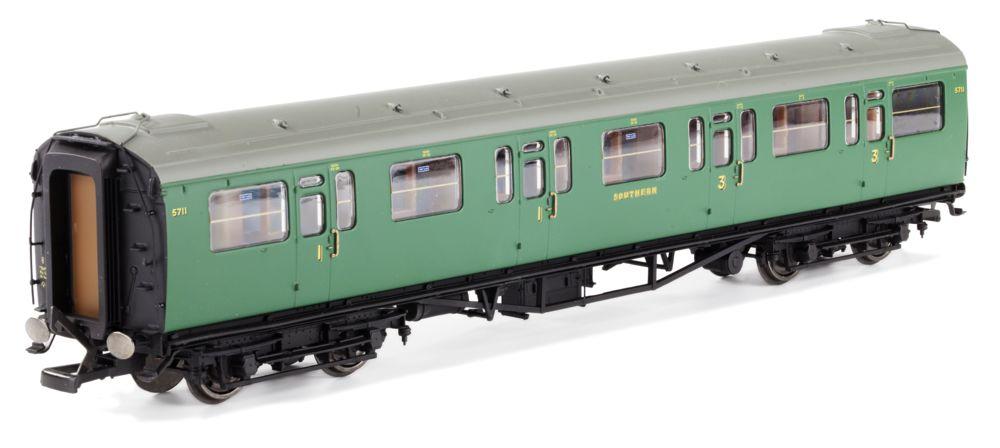 Hornby Bulleid 59ft coaches