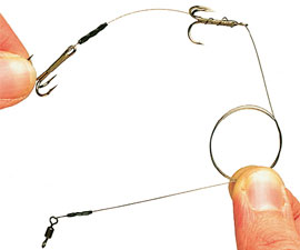 8.  Complete the snap tackle by crimping a strong swivel on to the other end of the wire.