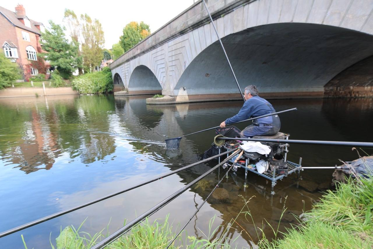 Dave Harrell using a Rigger Plus Platform on the RIver Wye.