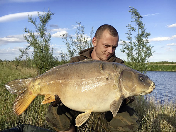 40lb carp from Lapwing by Shannon Cook.jpg