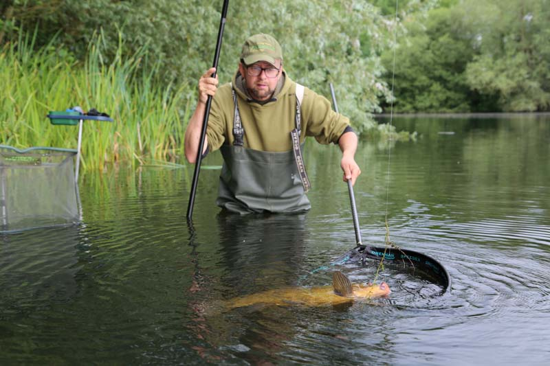 MIDDY SPOOKY LAY FLAT IN LINE CARP CONTROLLER