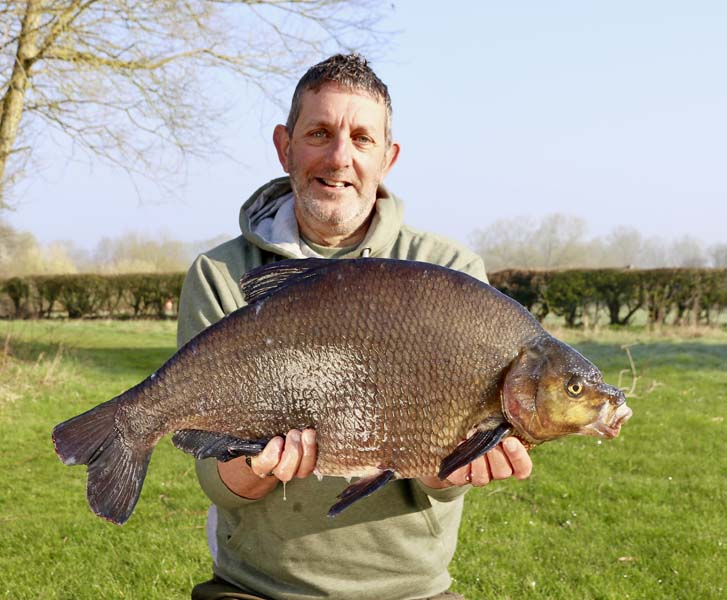 Dai's Bream 15lb 4oz.jpg