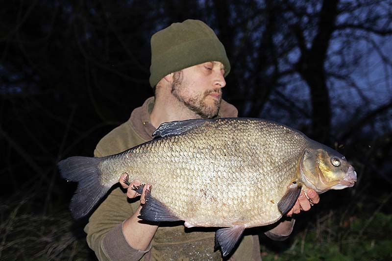 Jim Matthews 13lbs bream.jpg