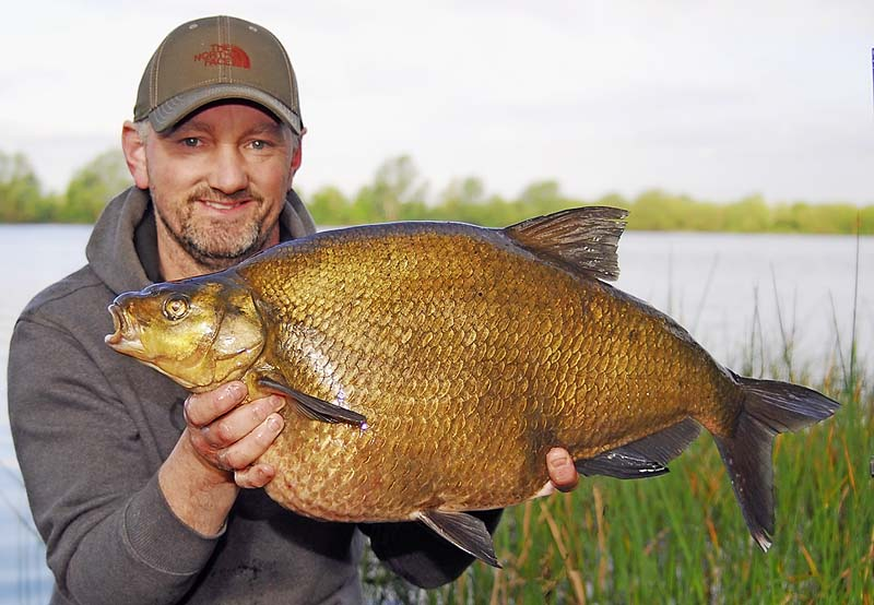 Lee Mcmanus - 16lb 4oz Bream.jpg