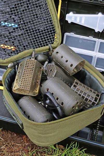 3 Barbel feeders - weights and sizes.jpg